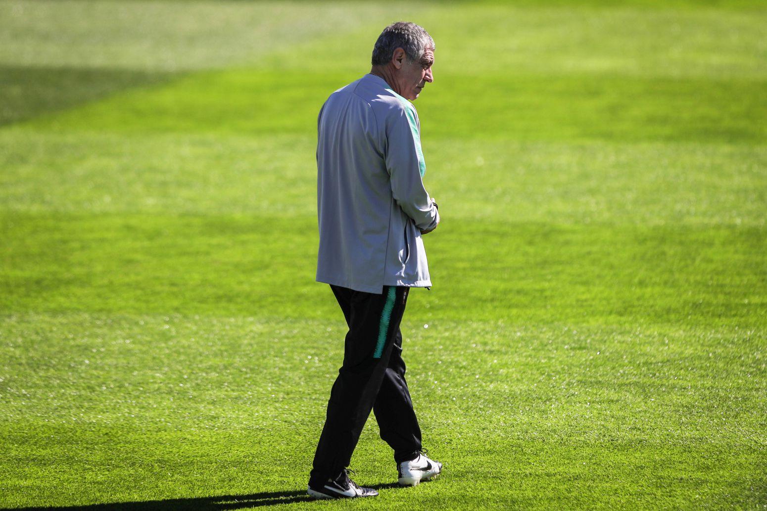 葡萄牙主帅:C罗应得FIFA最佳奖,B席没进候选很奇怪