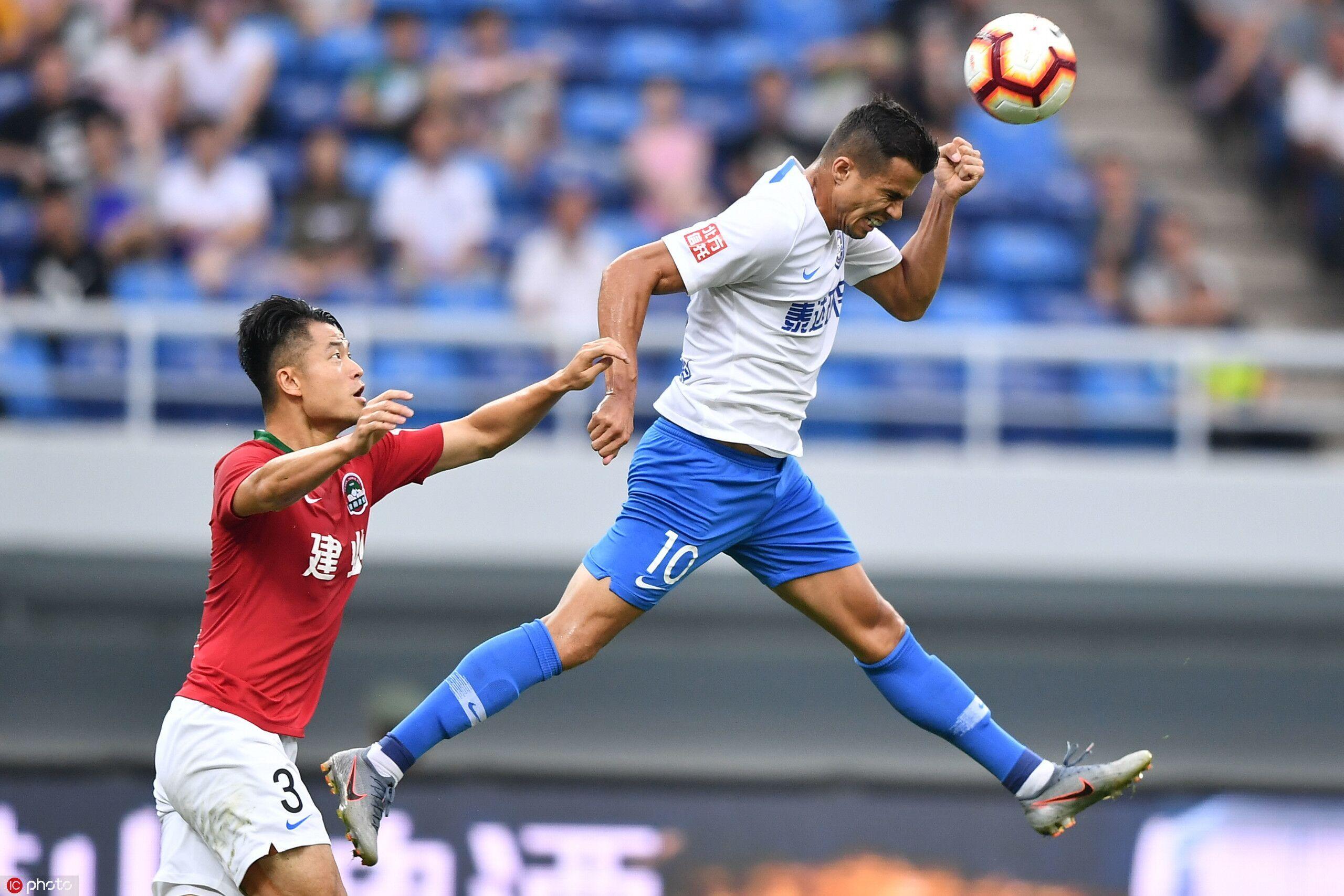 瓦格纳进球+染红吴䶮屡次神扑徒劳,泰达2-0建业