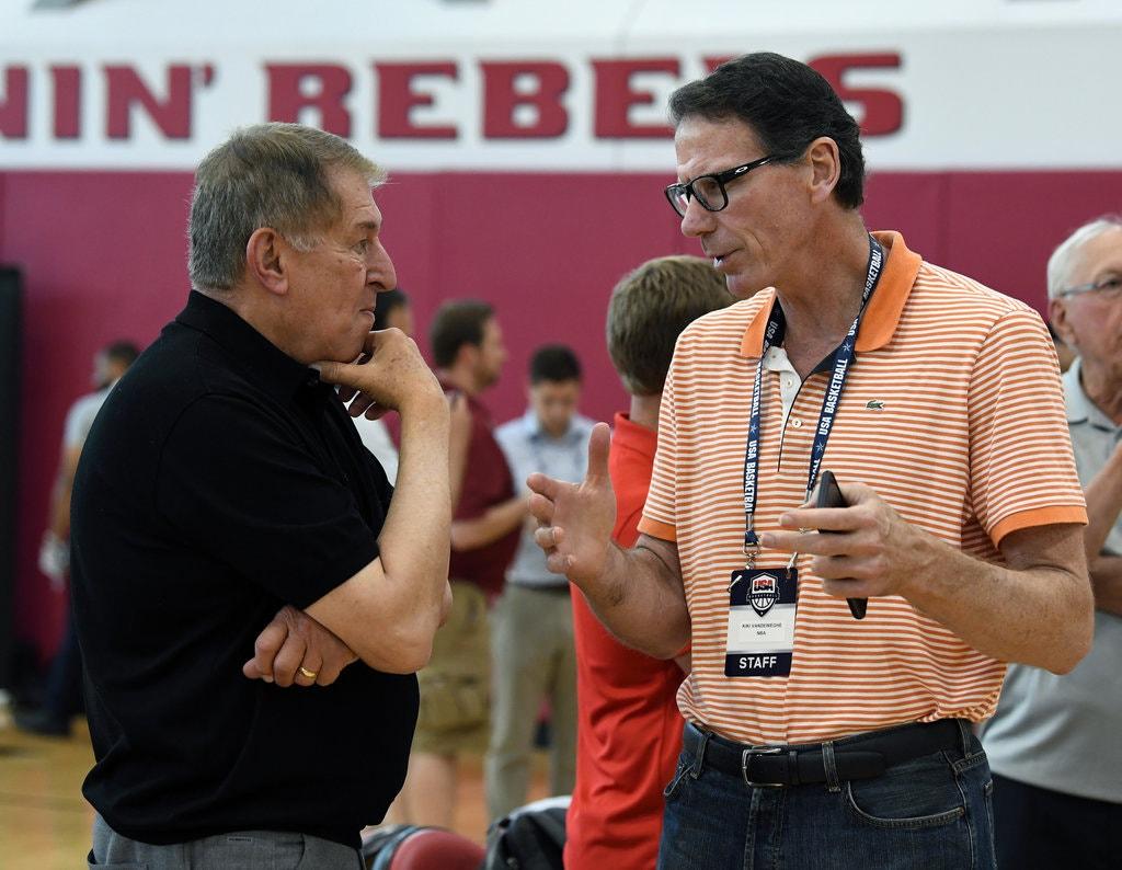美国男篮执行主管:想专注于在训练营中的人,而非不在的