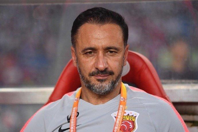 葡国金五盾奖最佳男足教练评选,上港主帅佩雷拉获提名
