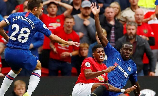 半场:拉什福德点射破门亚伯拉罕中柱,曼联1-0切尔西