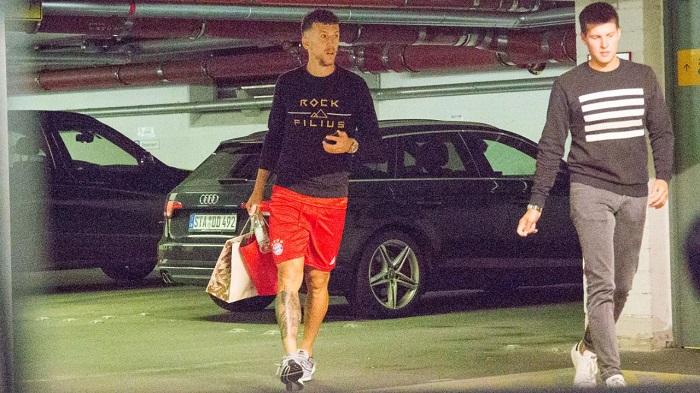 一图流:佩里西奇接收拜仁体检,已穿上了拜仁球裤