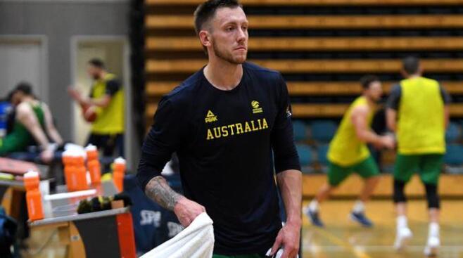 米奇-克里克顶替受伤的库克斯加入澳大利亚男篮