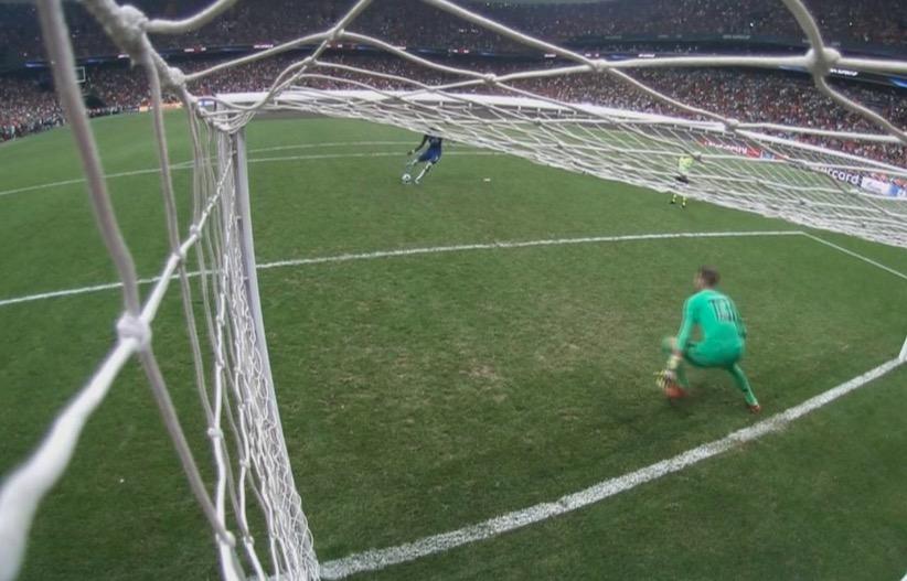 记者:欧足联裁判长官说门将提早 离线只能由VAR判罚