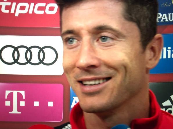 满意!莱万:库蒂尼奥是个顶级球员,能给我们更多选择