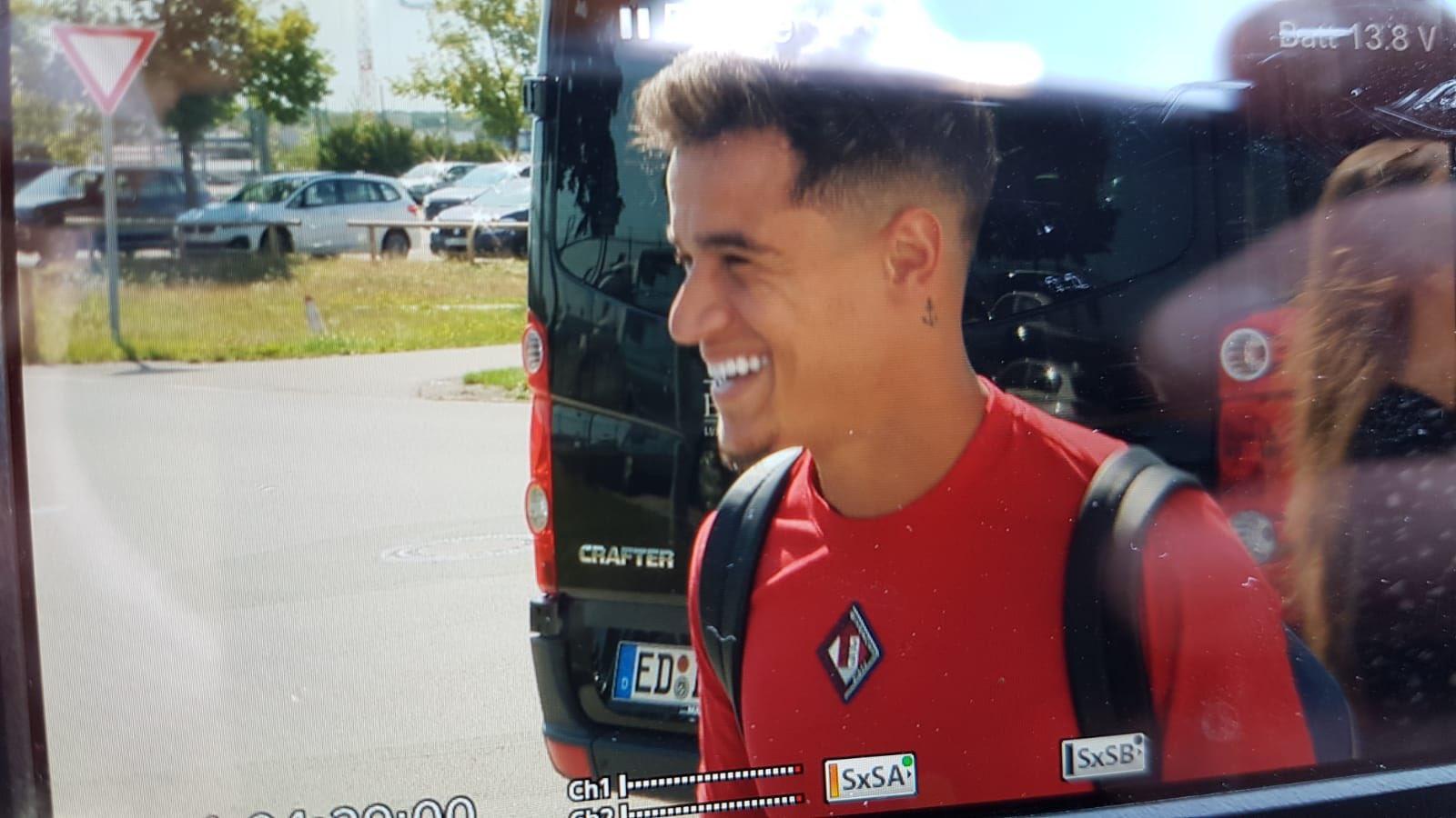来了!库蒂尼奥已经抵达慕尼黑,正在接受体检