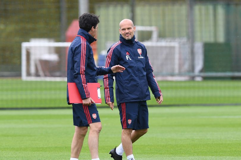 埃梅里:永贝里帮了我很多,他的优势在于熟悉年轻球员