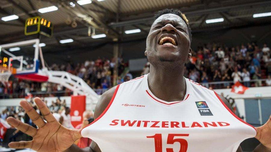卡佩拉18 15,率瑞士66年来首次晋级欧锦赛正赛