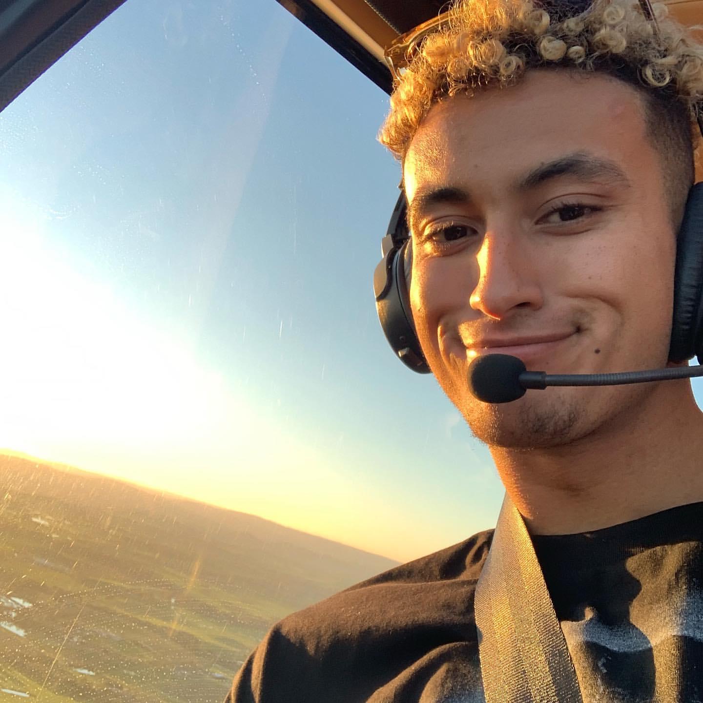 土豪风范!库兹马搭乘直升机游览墨尔本当地庄园