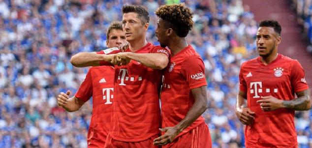 德甲:莱万帽子戏法库鸟迎首秀,拜仁3-0客胜沙尔克