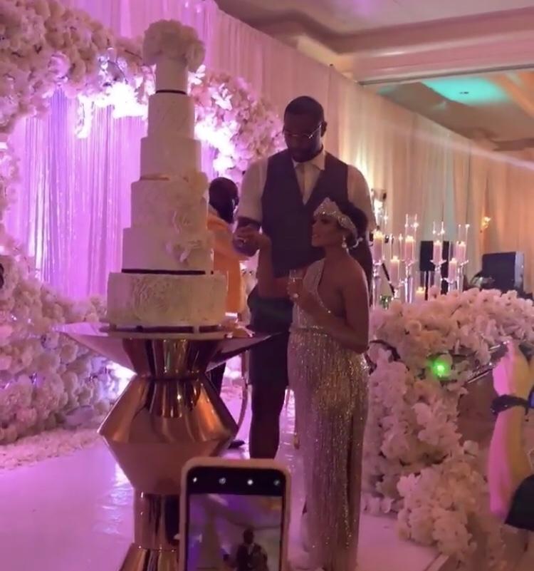 新婚快乐!库克和戴维斯今日参加队友考辛斯婚礼