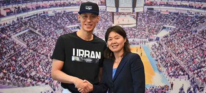 官宣:北京男篮签约前NBA后卫林书豪