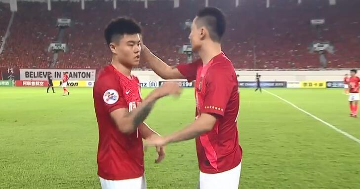 快讯:恒大再换一人,郜林登场换下杨立瑜
