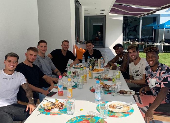 博阿滕邀请拜仁队友吃烧烤,库蒂尼奥和卢卡斯在列