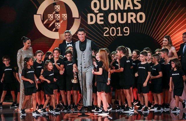 叒是你!C罗当选2019年葡萄牙最佳球员