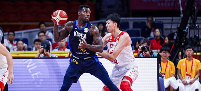 篮板再度落后!中国队首节进攻篮板0-4落后韩国
