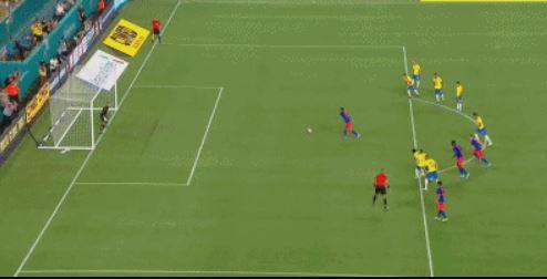 GIF:穆里尔点球命中,哥伦比亚扳平比分