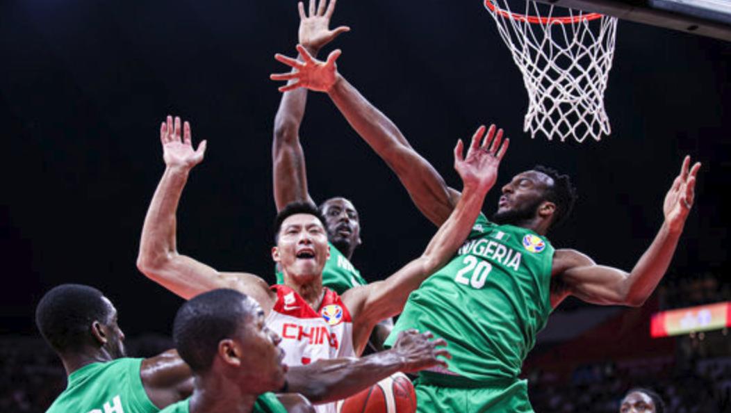 定海神针!易建联单节14分率领中国男篮紧咬比分