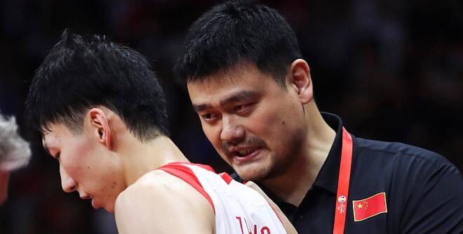 日本男篮教练:姚明是专家,指导球员毫无争议