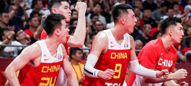 翟晓川:再苦再难我也会继续努力,请继续为中国男篮加油
