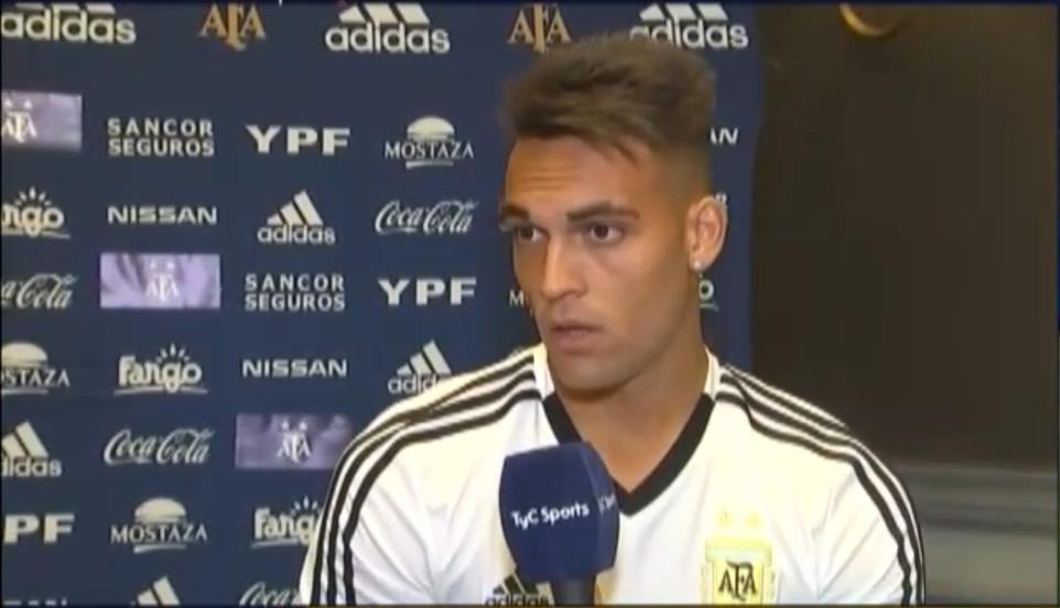 劳塔罗:当我和梅西阿圭罗一起出场时,三个人都要回防