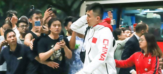 男篮广州总结会后原地解散,阿联郭少直接回家未随队回京