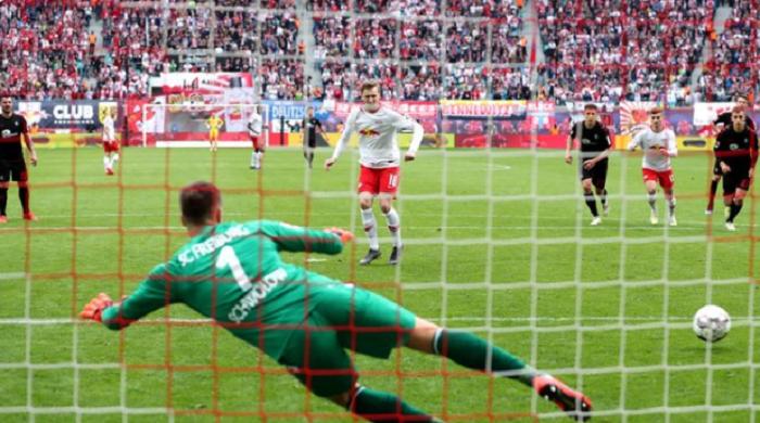 点球行家,福斯贝里以前7个德甲进球5个来自点球