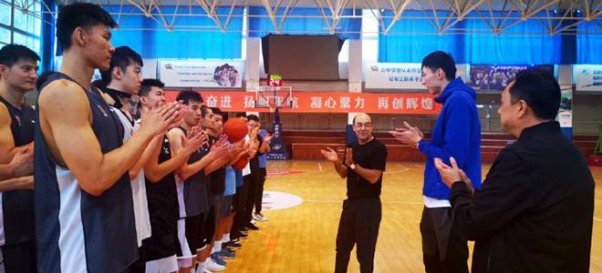 新疆总经理谈周琦:对自我认识提升,已为新赛季做好准备