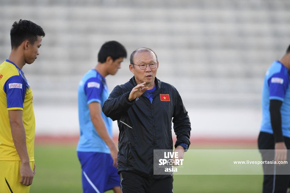 越足请求韩籍教练带队闯亚洲杯决赛,韩媒:吾们都不走