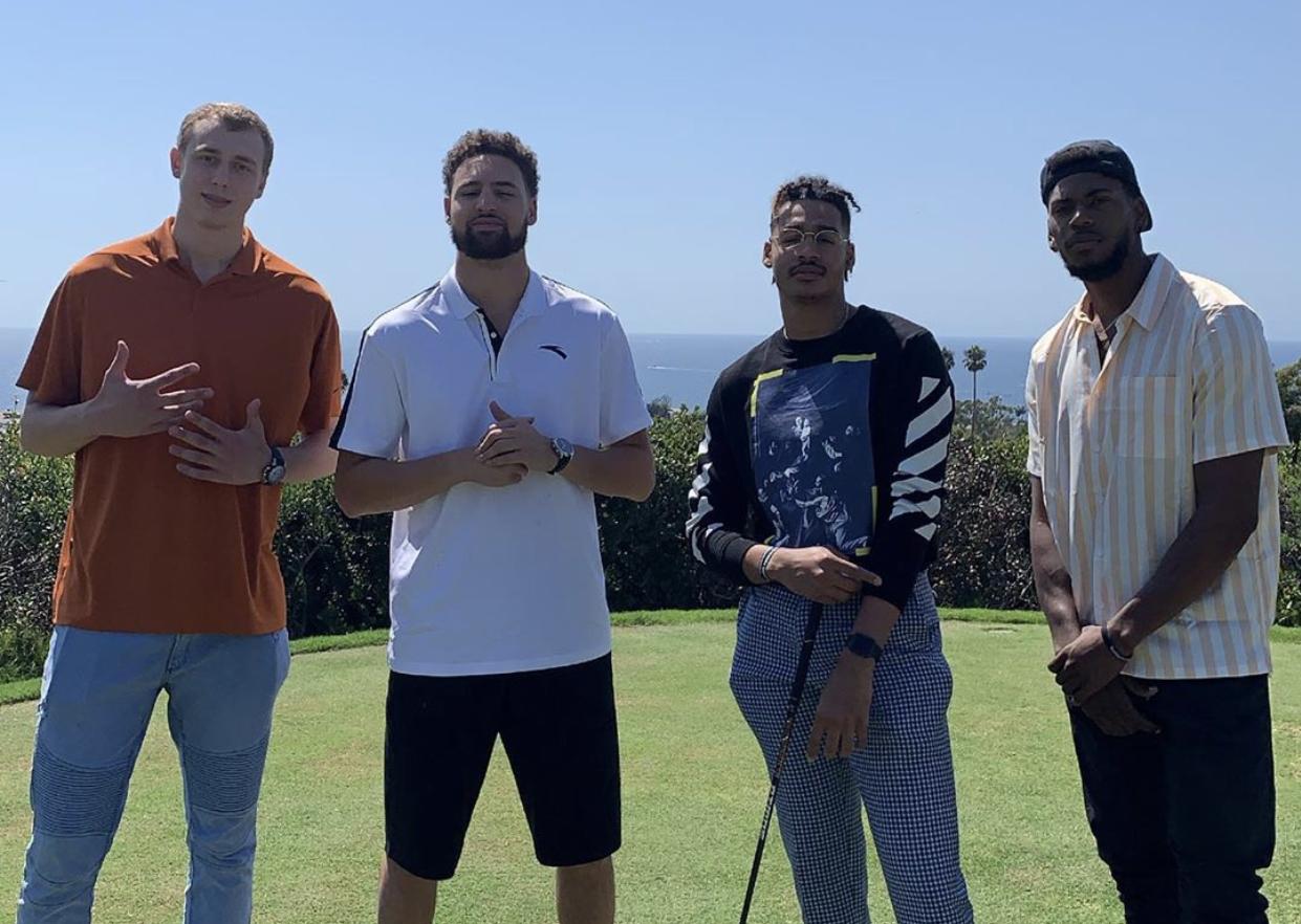 人均高尔夫球员?汤普森带勇士两新秀参加高尔夫活动