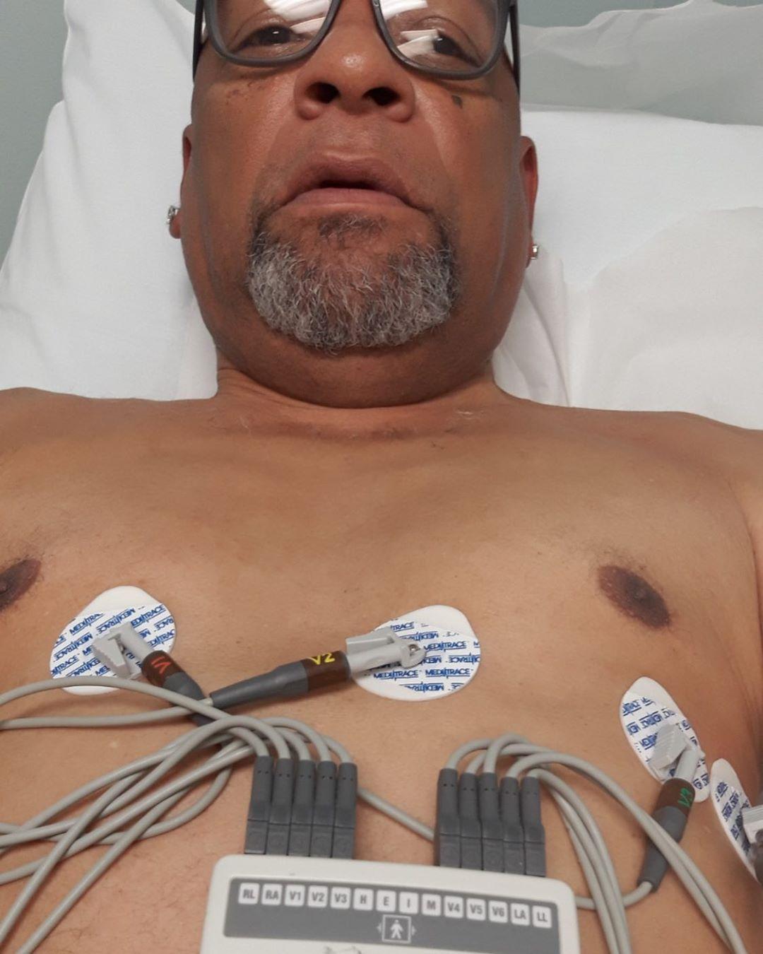 祝福安详!香农-布朗发布父亲病重的入院照片