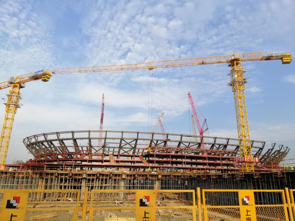 上港通报浦东足球场建设希望:正举行看台钢结构吊装