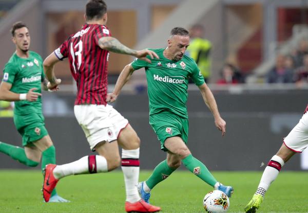普尔加点射穆萨基奥染红里贝里破门,米兰1-3佛罗伦萨