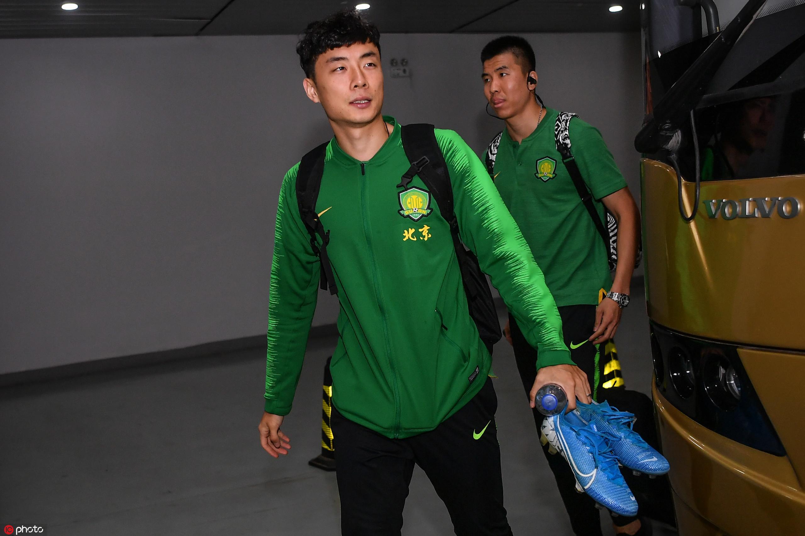 北青:李磊受拉伤困扰,国足教练组还没放弃他