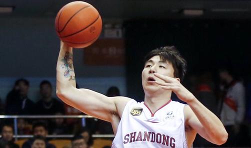 鲁媒:陈培东表现良好,吴楠虽注册但已离开球队