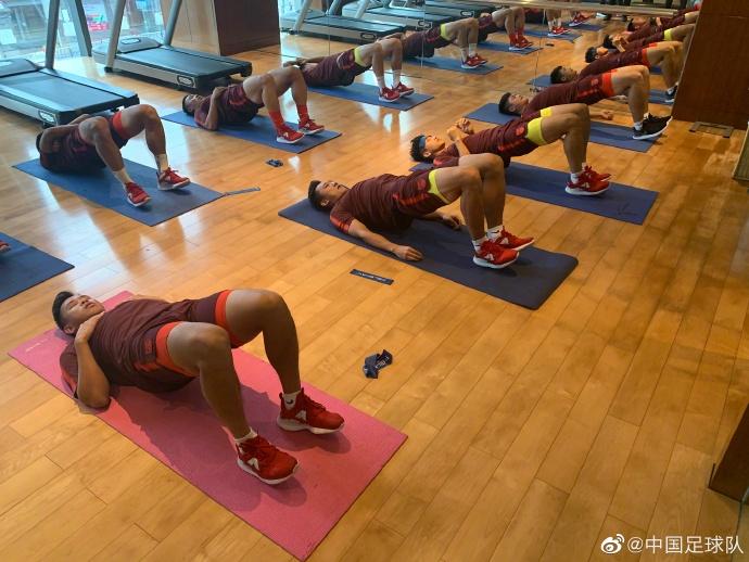多图流:停止两天四练高强度,国奥健身房训练中心力气