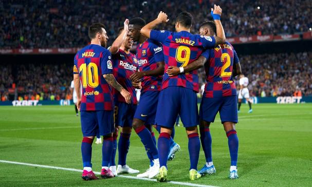 苏亚雷斯倒钩破门梅西赛季首球,巴塞罗那4-0塞维利亚