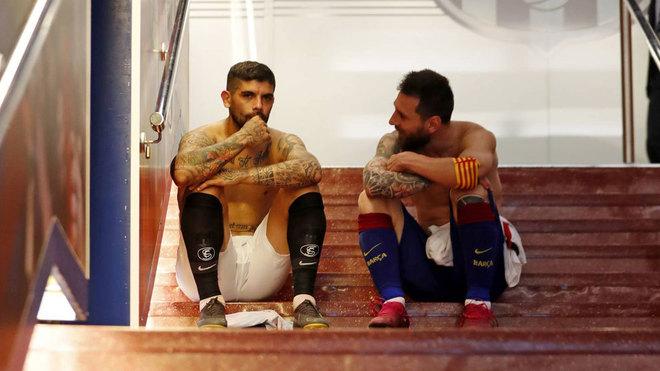 罗萨里奥老乡会,梅西与巴内加赛后席地而坐相谈甚欢