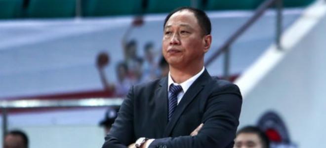 同曦集体观看爱国电影,崔万军:为中国篮球奉献力量