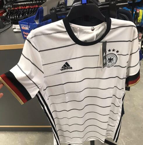 一图流:德国队2020年欧洲杯主场球衣谍照流出