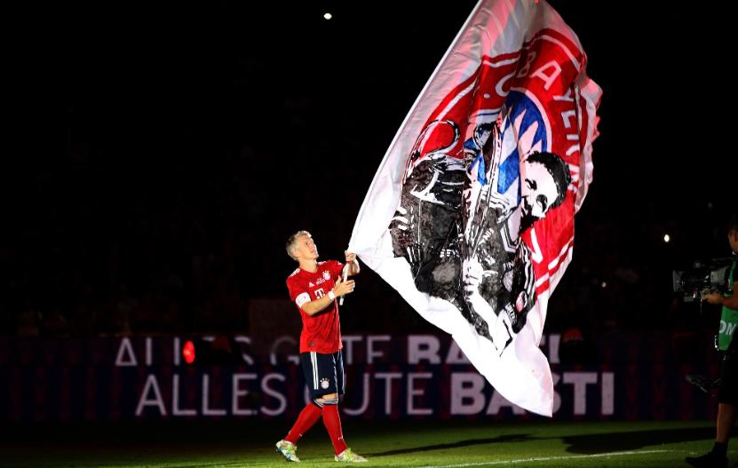 拜仁官方致敬小猪:感谢足球上帝,感谢你所做的一切!