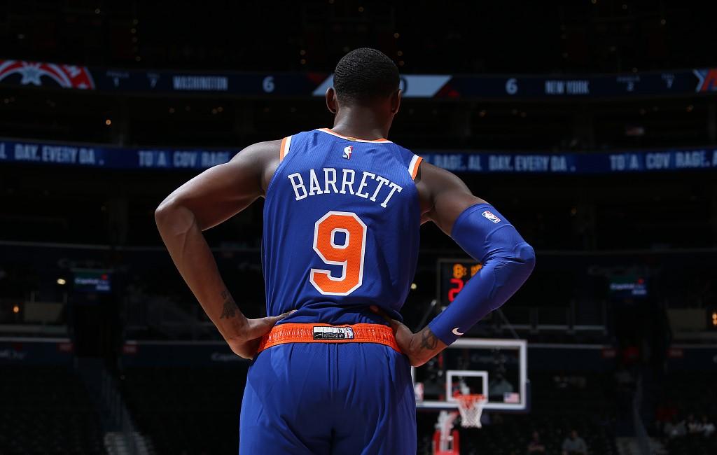 答卷如何?尼克探花Barrett首戰砍下17分7籃板(影)