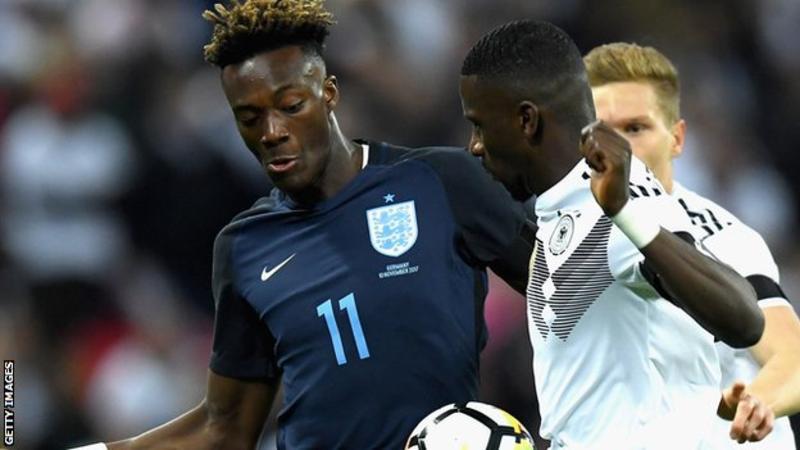 亚伯拉罕:若英格兰球员被种族歧视,我们准备好罢赛了