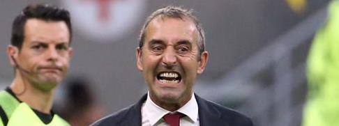 111天,詹保罗创下米兰队史主教练在位最短时间记录