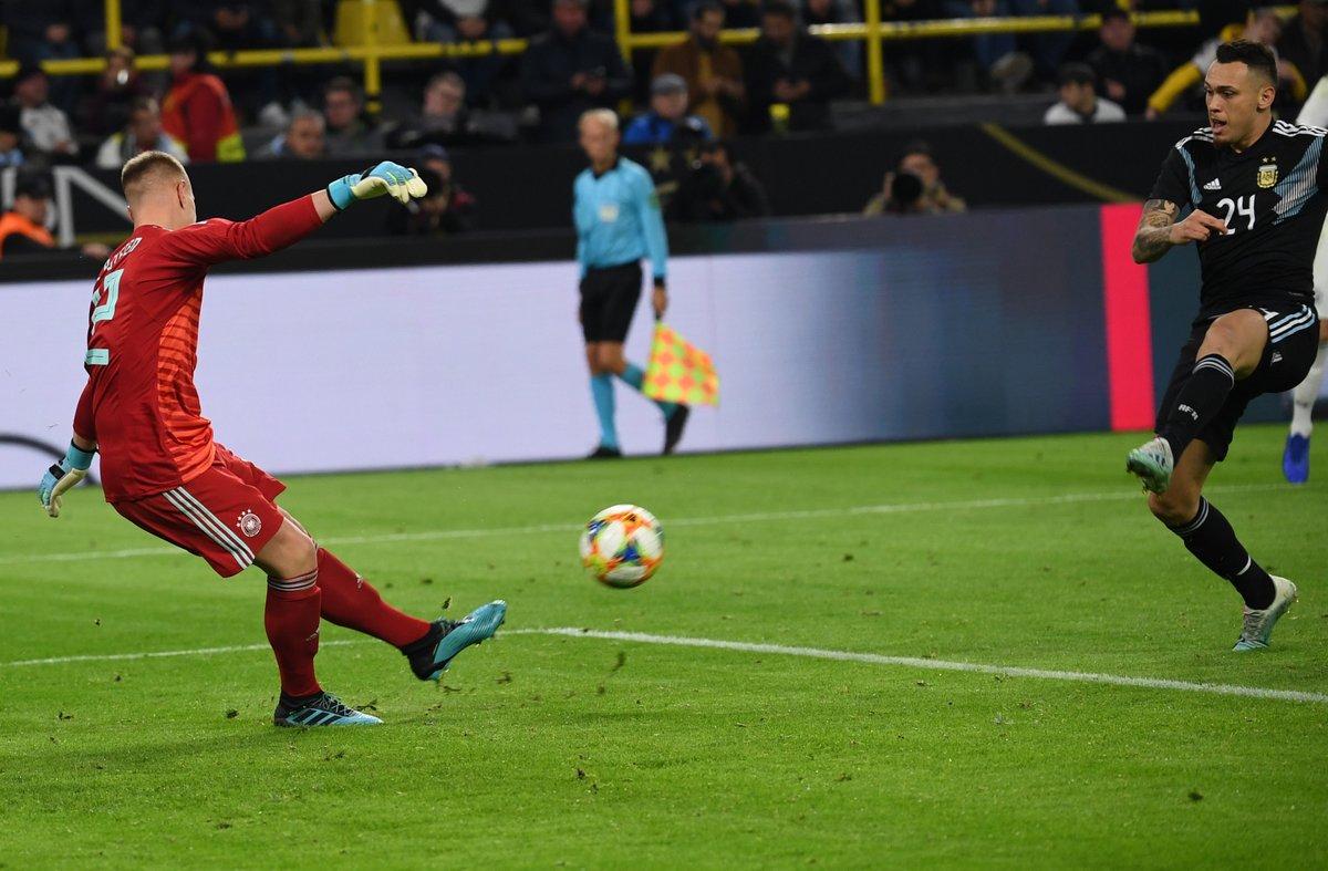 神奇!阿根廷换上阿拉里奥、奥坎波斯均进球,助球队扳平