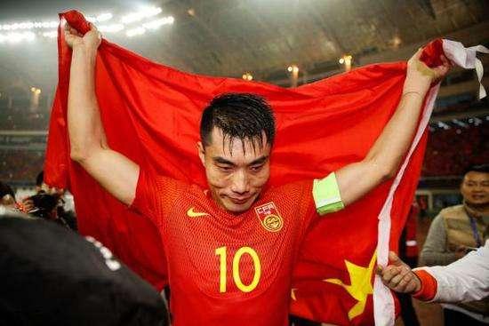 老骥伏枥!39岁郑智刷新国足世预赛最年长国脚纪录