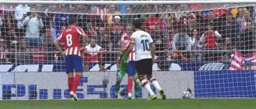 斯塔克豪斯 GIF:马竞获得点球,迭戈-科斯塔打进1-0瓦伦西亚