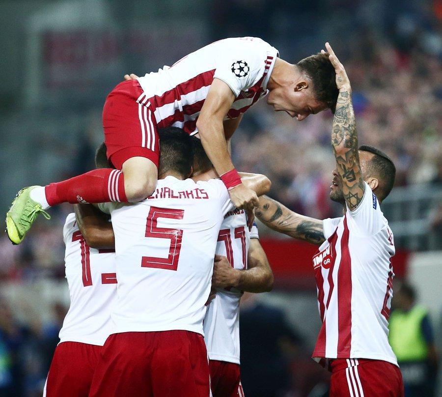 GIF:吉列尔梅远射破门,奥林匹亚科斯扳回一球