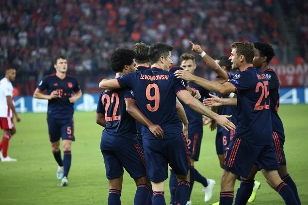 欧冠:莱万双响托利索破门,拜仁客场3-2奥林匹亚科斯