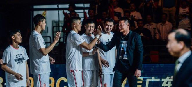 朱芳雨晒冠军戒指:新赛季旗开得胜,马到成功